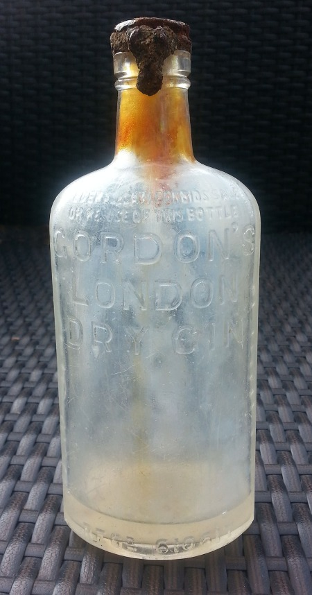 old-bottle-792874_1920