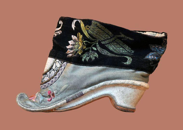 chinese-bound-footwear