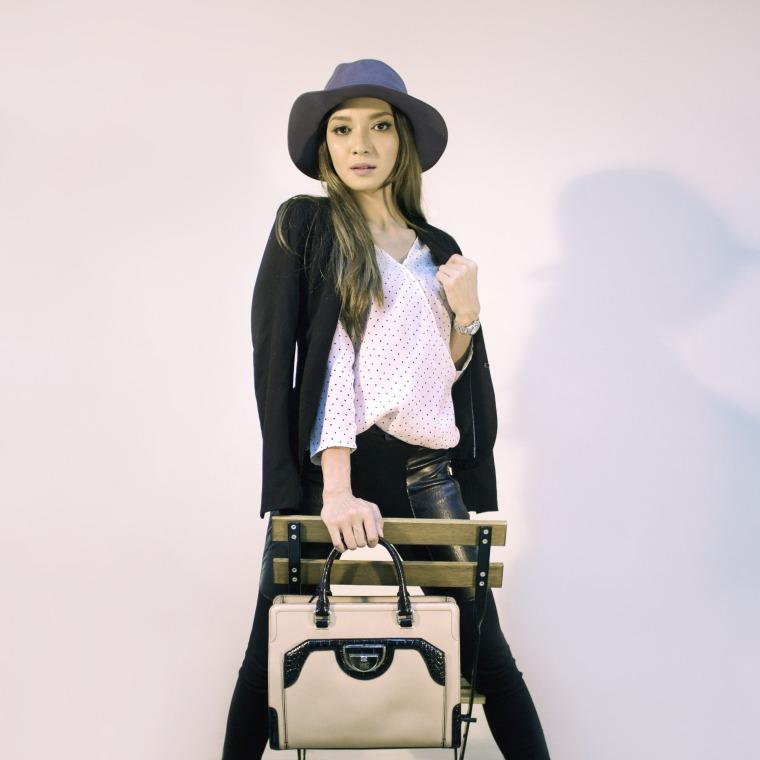 handbags-2251089_1920