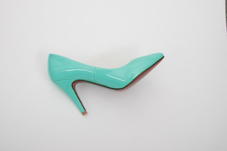 high-heels-606308_1920
