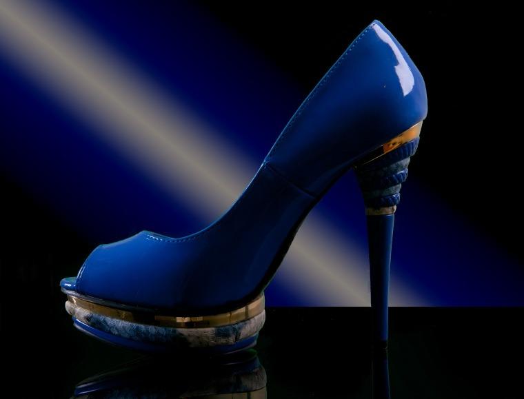 shoe-590516_1920