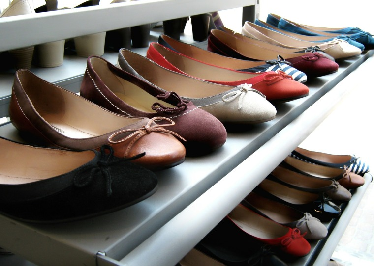 shoes-107401_1920