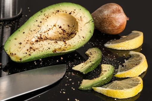 avocado-2210652_640